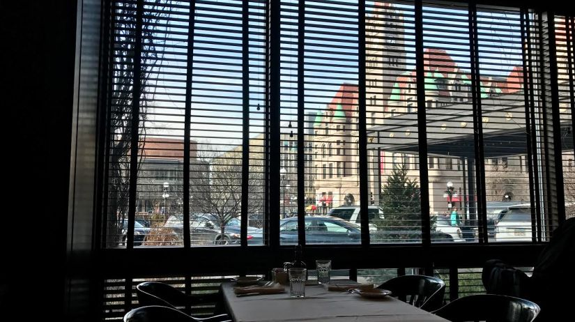 window-st-paul-grill